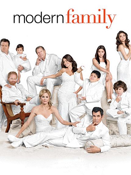 297616-modern_family1_430x573